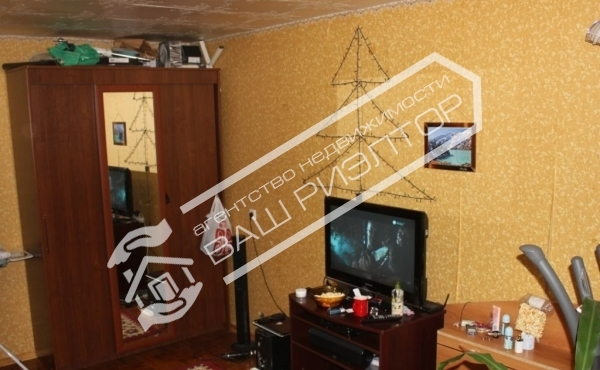 Продается 2х. ком. квартира на ул.Навашина д. 38 на СХИ район Студгородка
