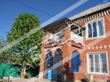 Продаётся кирпичный двухэтажный дом 460 м2 расположенный на участке 14 соток по адресу Стадионная Ленинский район.