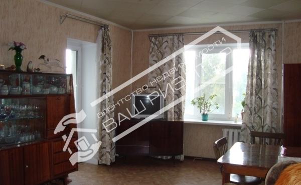 2 комнатная квартира на ул.Дегтярная 28 р-н ж/д больницы
