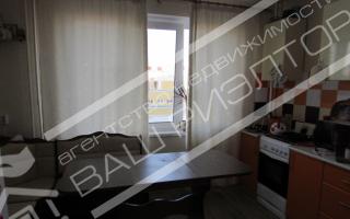 Продаётся однокомнатная квартира 40м2 на шестом этаже, панельного десятиэтажного дома по улице Мысникова Кировский район.